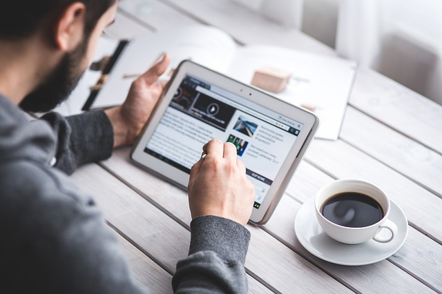 Speed Reading Blogbeitrag zu einem FAZ-Artikel, der digitales und Papierlesen gegenüberstellt