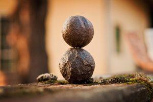 Foto: Devanath (https://pixabay.com/en/harmony-relax-rock-moqui-stone-1229893/)